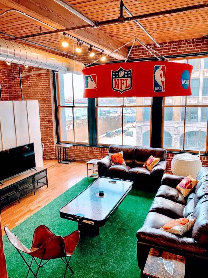 ✦The Fan Cave✦Parking✦Roof Deck✦Sleeps 6✦