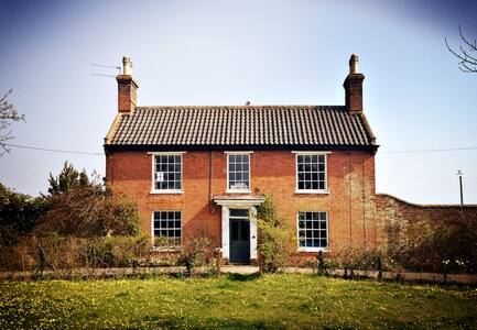 Family friendly farmhouse near sea - Suffolk - บ้าน