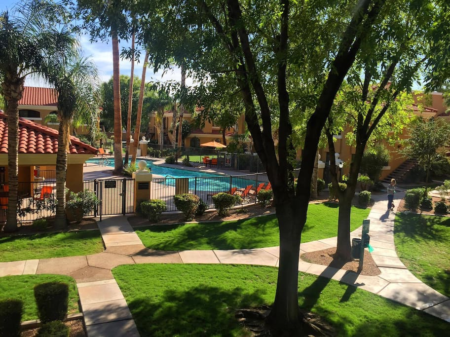 You will enjoy a heated pool , hot spa, tennis court, sand volley, walking trails, BBQ facilities, and a beautiful clubhouse