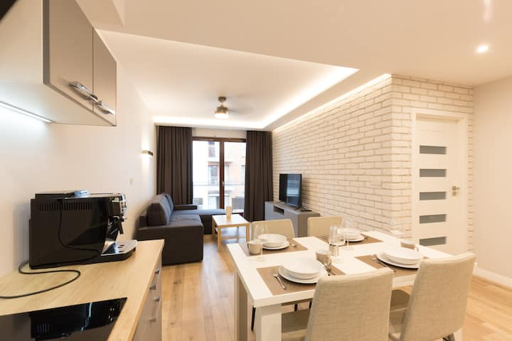 APARTLOGY Aura2 105 -Experience Intelligent living