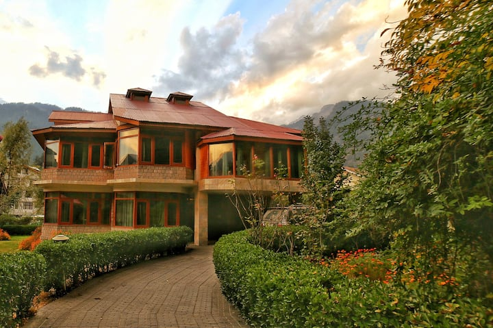 Bed and Breakfast in the Heart of Manali