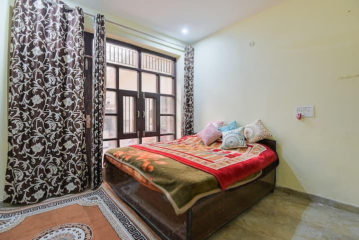 Furnished house near PariChowk & ExpoCenter GNoida