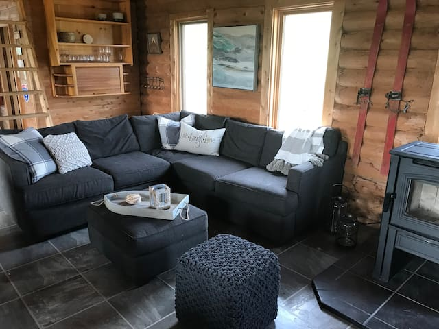 Deer Park, Cozy Cabin with Hot Tub, Amazing View