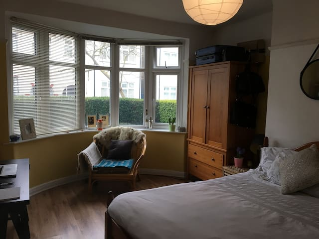 Beautiful Large Spacious Double Bedroom