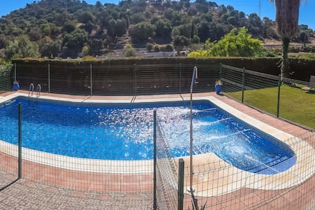 Casa de campo con piscina y chimenea, 8 personas