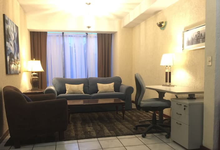 301-SUPERIOR Executive Apartment