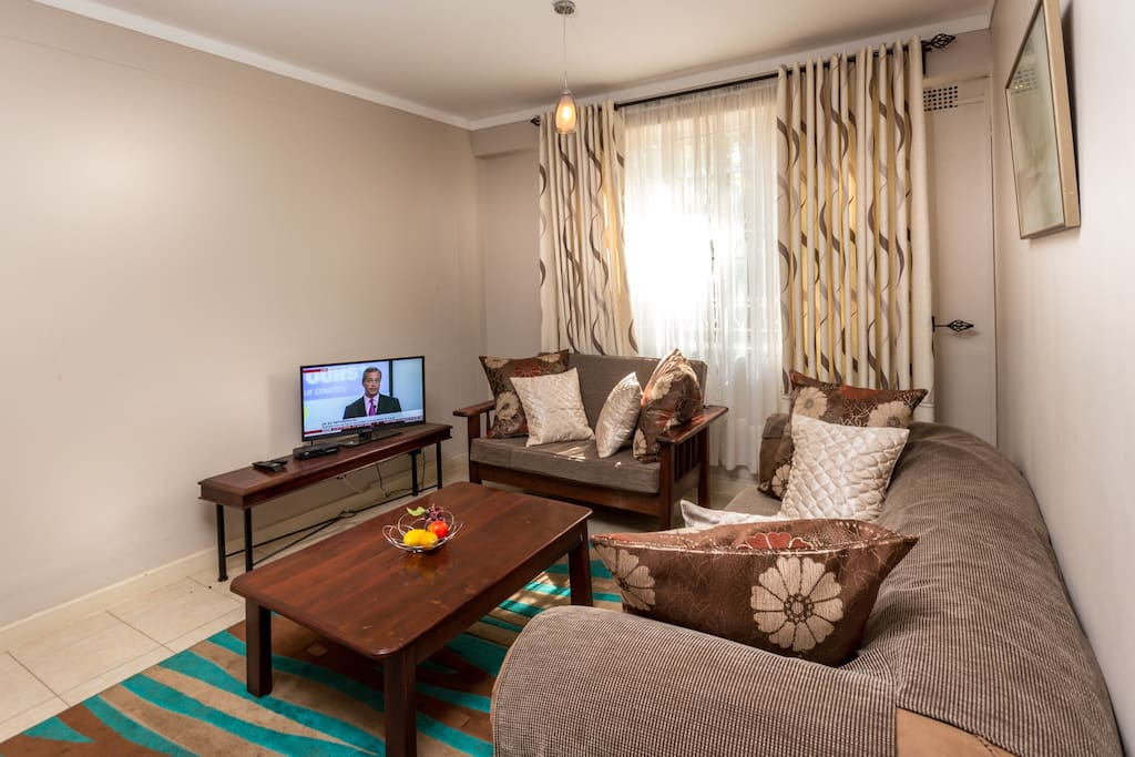 Lounge with dstv
