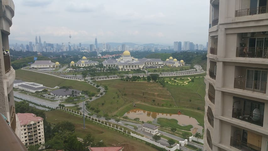 Studio with Royal Palace & KLCC view