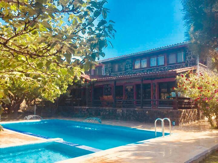 Stunning Villa Sirena, Stone house & Private Pool