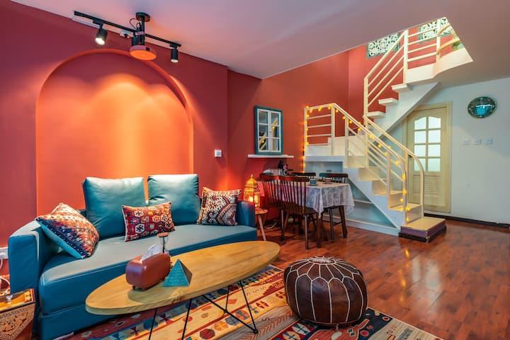浪漫土耳其 超大飘窗loft两居室 品牌投影 可做饭 楼下地铁口 市中心 近昆明站大悦城