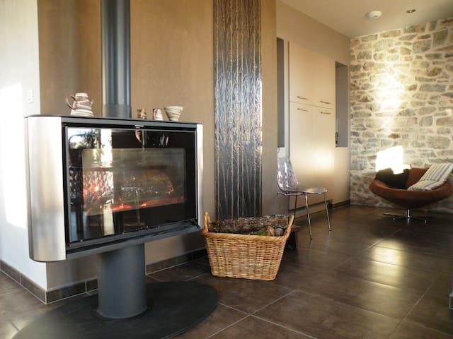 Bergerie Baroque Ecologique Piscine chauffée 95m2 - Verrières - Apartment
