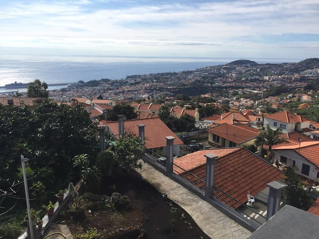 Beautiful flat with stunning views over Funchal