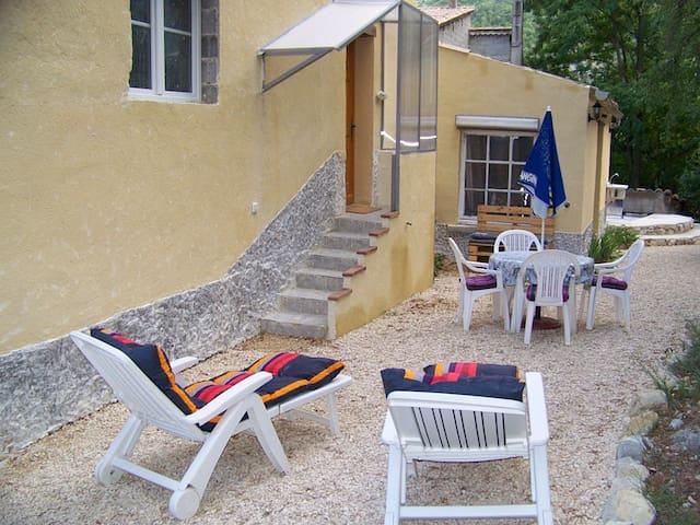 Appartement de vacances T2 ( 30 m²) - La Penne-sur-l'Ouvèze - Apartament