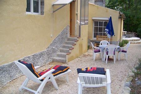 Appartement de vacances T2 ( 30 m²) - La Penne-sur-l'Ouvèze - Apartment