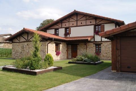 Hermosa Casa Rural en Zuia - Bakubitxi