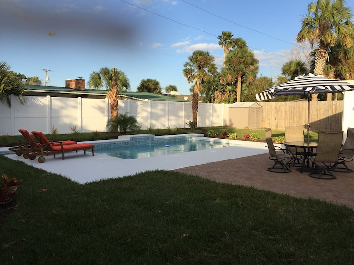 SaltRunner: Updated 3/2 home with Private Pool and  walking distance to Historic Downtown St Augustine