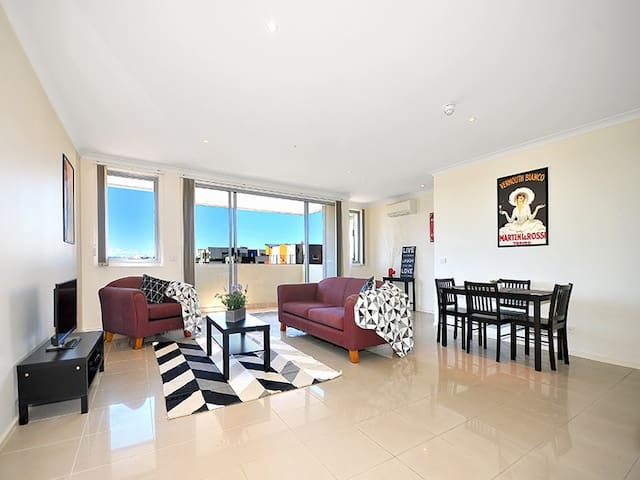 Entire 2 story apartment - Coburg - Daire