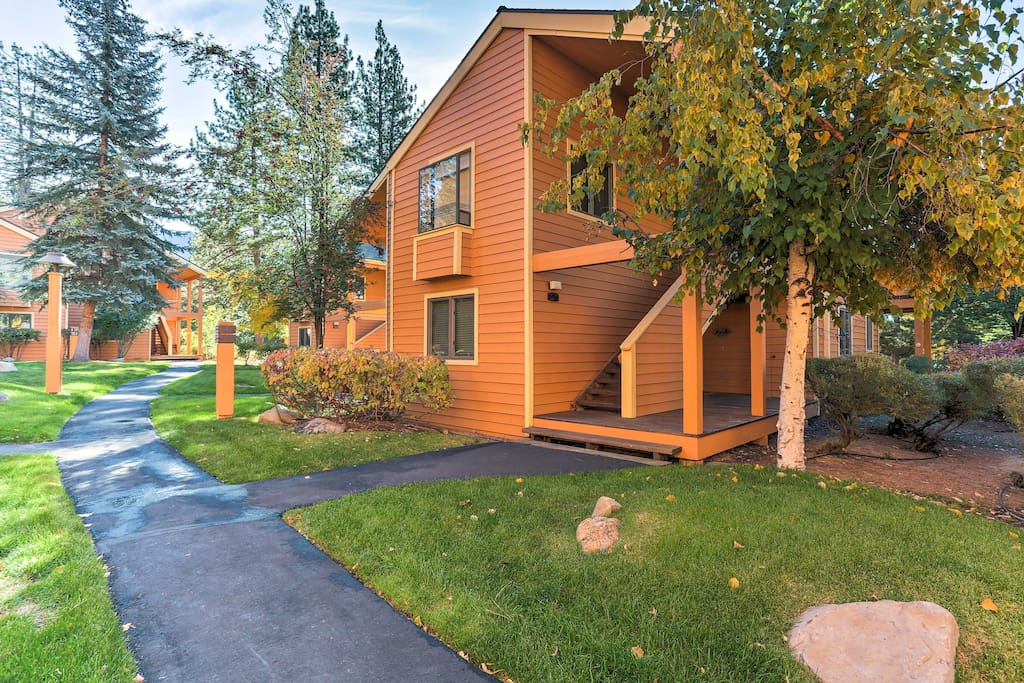 Situated in a quiet community only a stone's throw away from a private beach, this condo is the perfect home base for groups looking to explore Lake Tahoe.