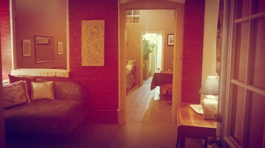 Historic Downtown Flat w/private yard and parking - Флэгстаф - Квартира