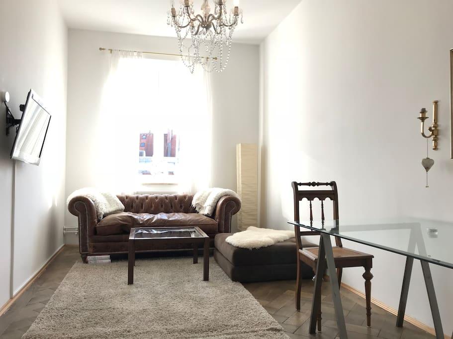 Beautiful, very bright living room 1