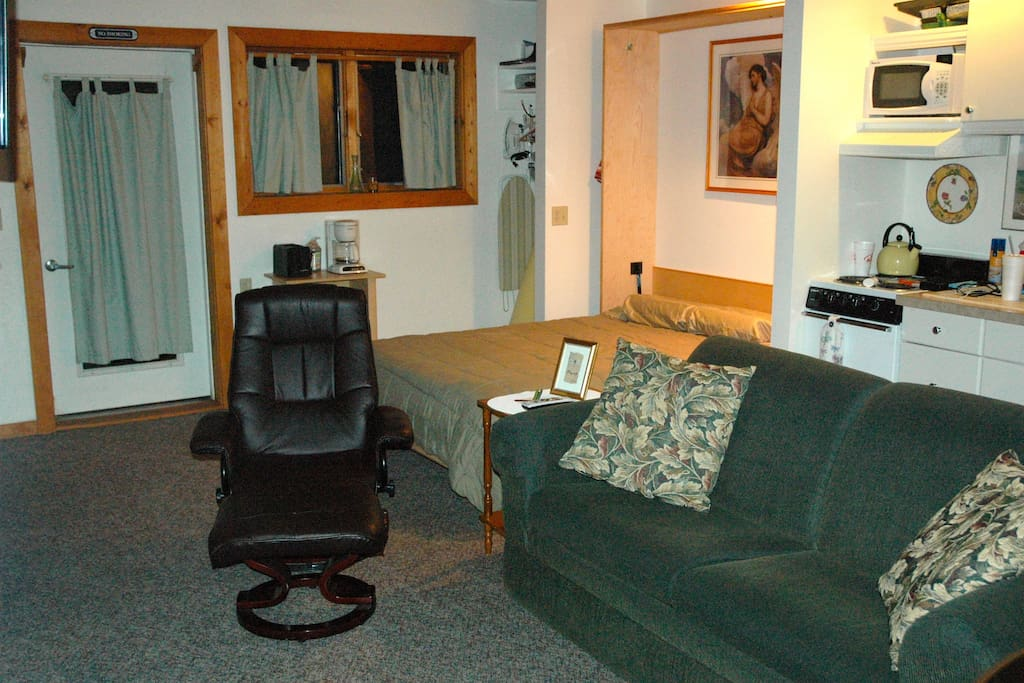 North Unit Living Area and Murphy Bed