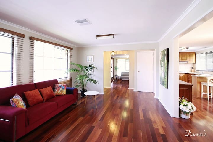 Spacious and cozy home next to Glen Waverley