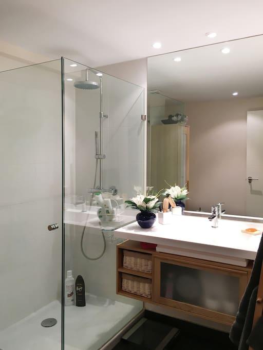 Habitaci n doble en una zona ideal y tranquila - Alquiler de una habitacion en madrid ...