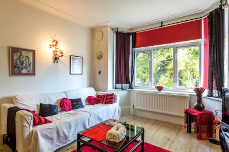 3 Bedrooms in a house: 1 Double & 2 Single Beds - Widley - Wikt i opierunek