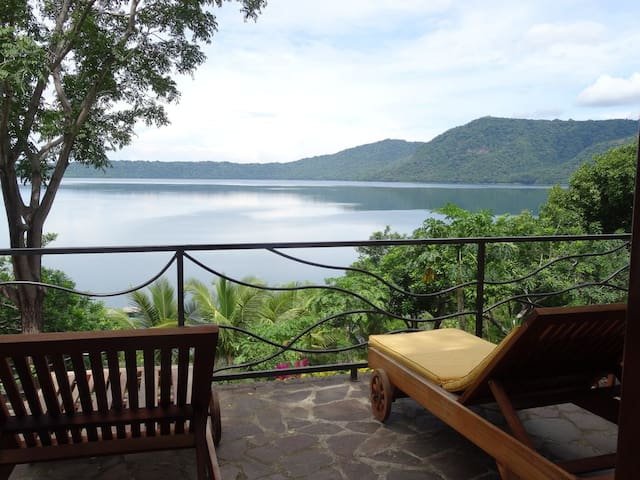 Gorgeous retreat on the water of Laguna de Apoyo
