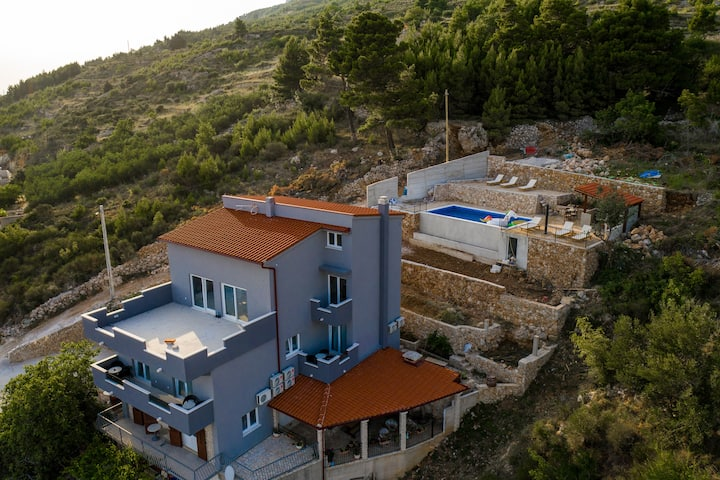 Exclusive Villa Almissa with pool and sea view