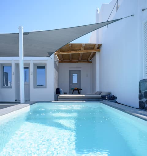 Luxury Villa with Private Pool & Great View