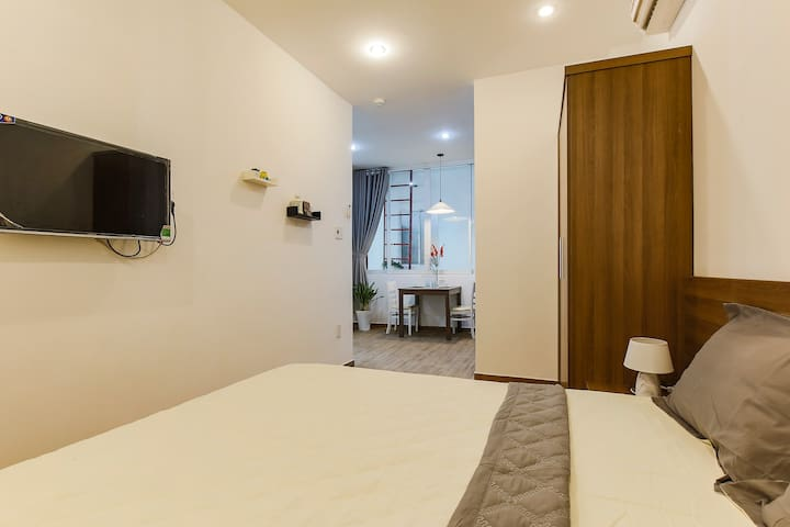 Free cleaning Cozy 1br apt 4min to Tan Dinh Church