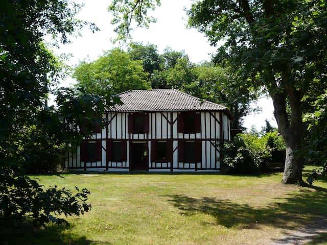 Maison d'hôtes Airial de Nahouns - Sabres - Hospedaria