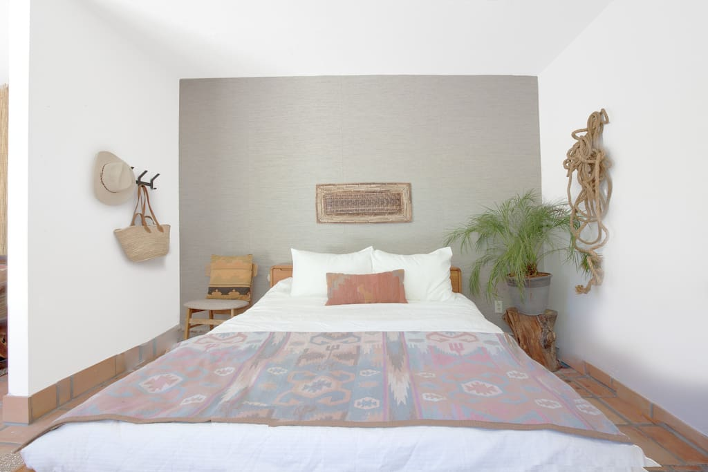 Room 3 Casita Suite (Hi Desert Ranch) One queen bed + living area + ensuite bath