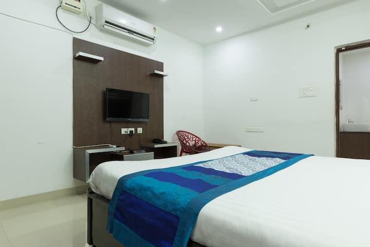 Cozy and premium Room at Shilparamam Hitech city