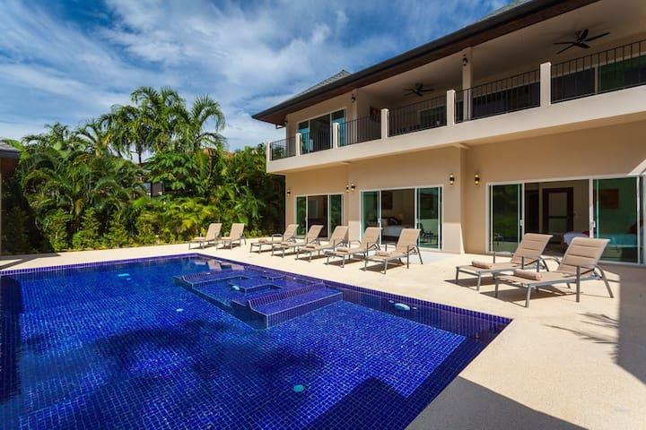 6 Gold Villa -sleeps 18- Nai Harn Beach