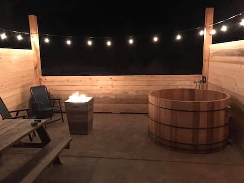 Yurt #2 with Private Hot Springs Soaking, sleeps 5