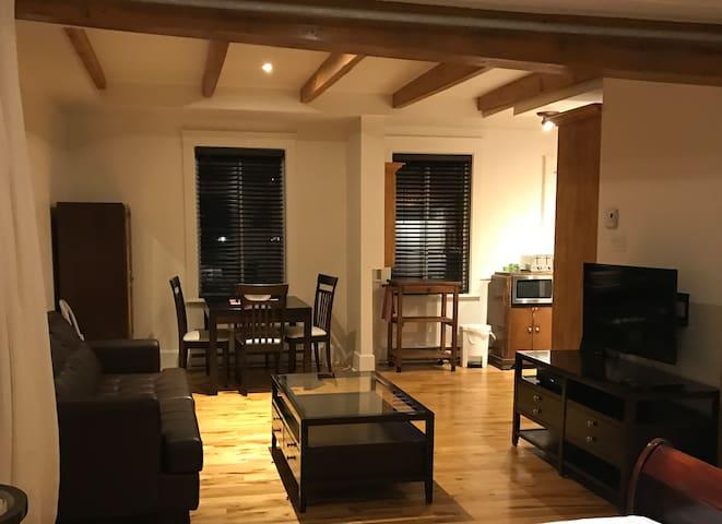 Chaleureux loft à louer - Montréal - Apartament