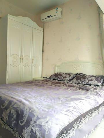 中街一室一家公寓家庭房