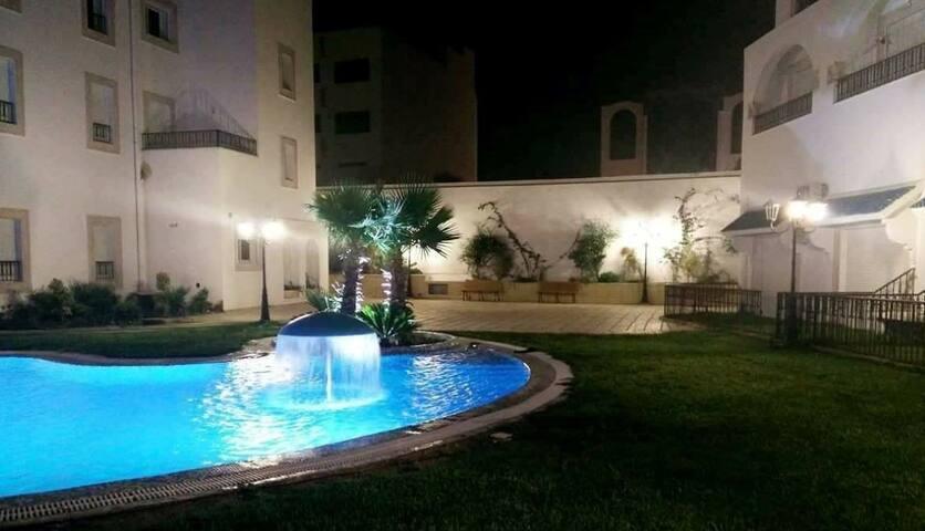 Appart spacieux avec terrasse & piscine & parking