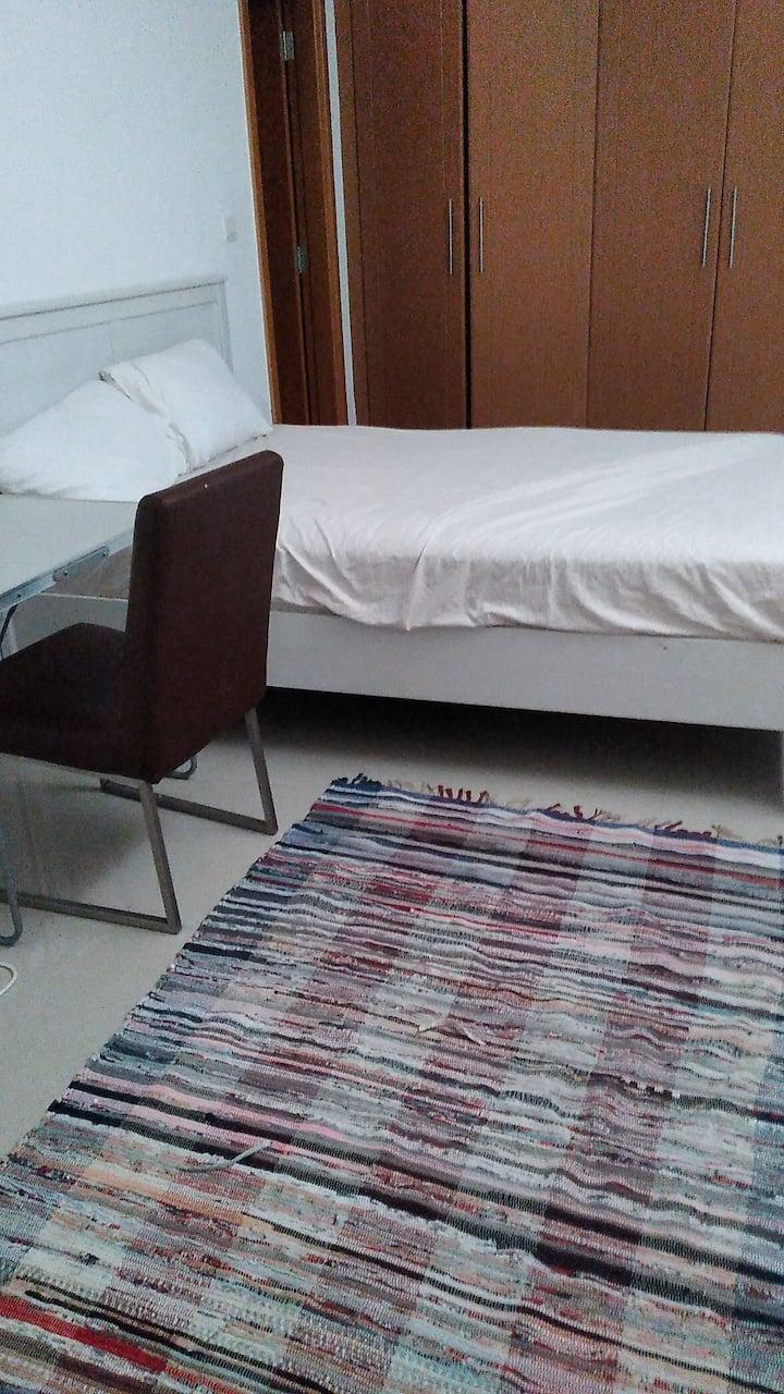 Clean master bedroom in quiet Area & free parking