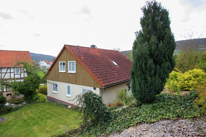 Grande casa vacanze a Homberg con giardino privato