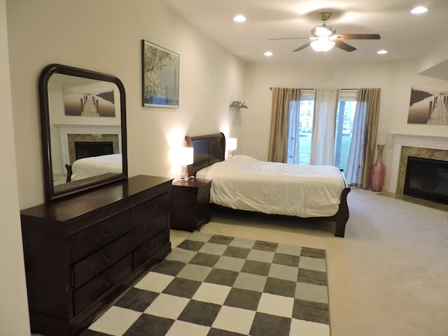 Private Room Near BWI and Ft. Meade