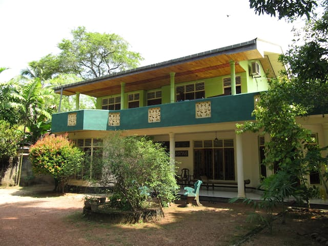 Sunshine Guesthouse - Aluthgama - Bed & Breakfast