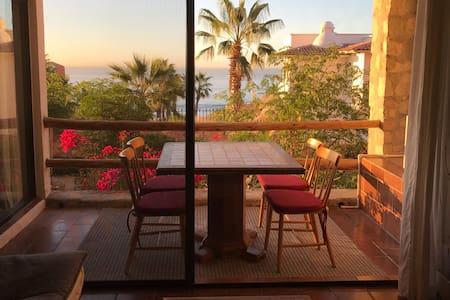 Casa Ballena @ Cabo Bello - Cabo San Lucas - Condomínio