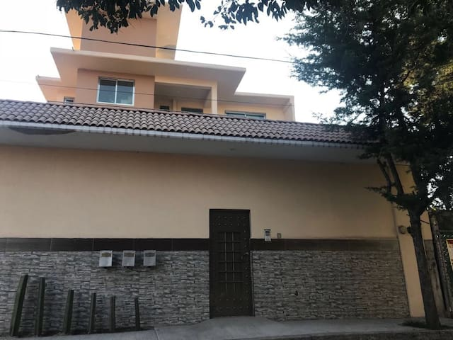 P1 Apartamento amplio y elegante en zona exclusiva