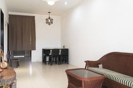 Cozy, Modern, Air Cond Gambang Water Park Homestay