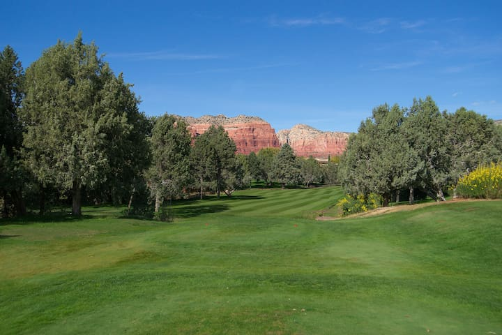 Red Rock Condo with Amazing Amenities