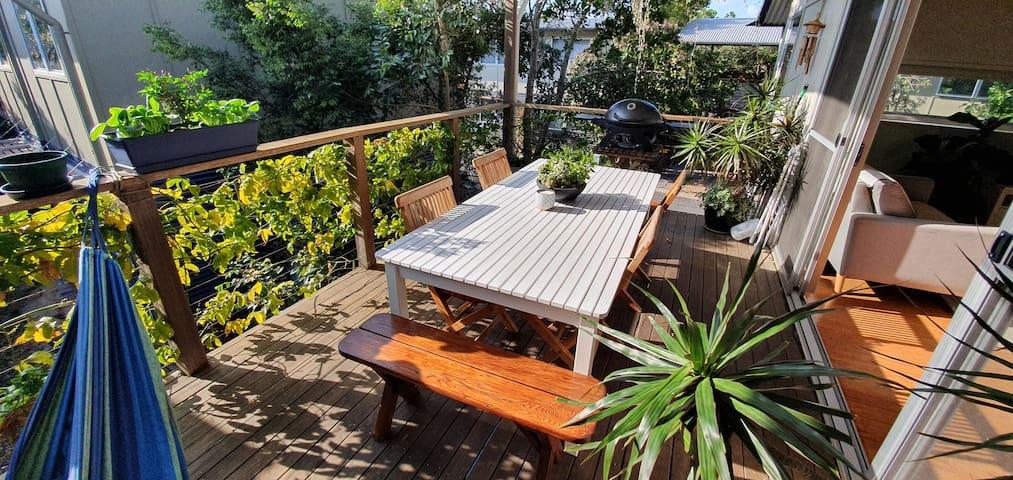 Private beach shack getaway - pool and heated spa
