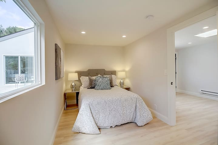 Private guest house in Willow glen, San Jose